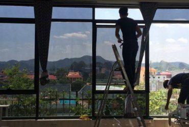 Dịch vụ dán kính chống nóng tại nhà